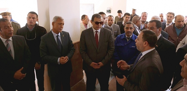 """وزير القوي العاملة ومحافظ المنوفية يتفقدان مدرسة """"العربي للتكنولوجيا"""""""
