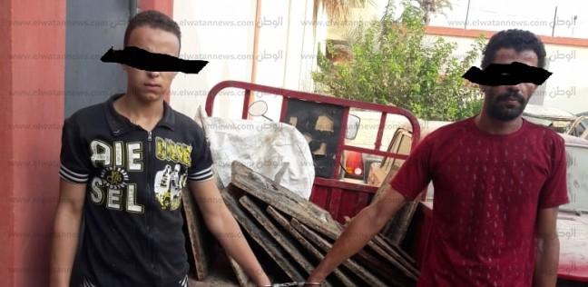 حبس المتهمين بسرقة بلاعات الصرف الصحي بالسويس 4 أيام على ذمة التحقيق
