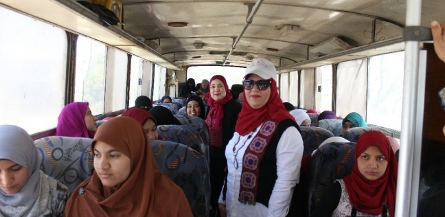 أتوبيسات لنقل المغتربين بالمدن الجامعية في المنيا للتصويت في الاستفتاء