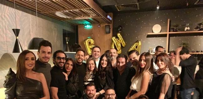 منى زكي وأحمد حلمي وأنغام يحتفلون بعيد ميلاد محمد حماقي - فن وثقافة -