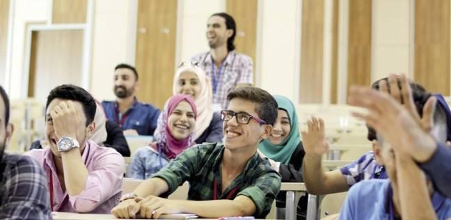 الطلاب محاصرون بين مطرقة الدراسة وسندان العمل