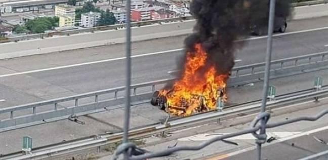"""انفجار بطارية سيارة كهربائية من نوع """"تسلا"""" يؤدي إلى مقتل سائقها"""