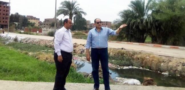 محافظ سوهاج يطالب بتطهير مجرى مصرف أخميم من التعديات