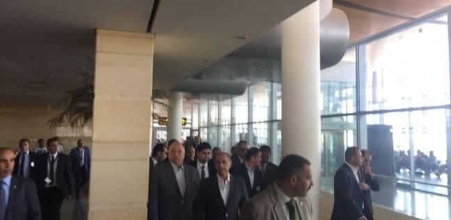 وزير الطيران يتفقد موقع مشروع مبنى ركاب صديق للبيئة بمطار برج العرب