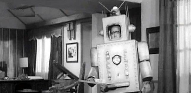 حسن مصطفى في دور الروبوت «مكمك»