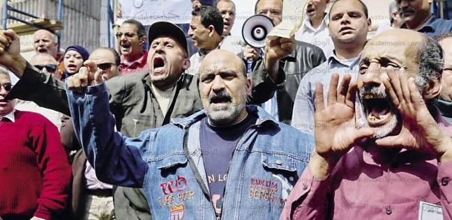 ائتلاف «المصرية للاتصالات»: «بيلمّعوا الوزير بفلوس الشركة»