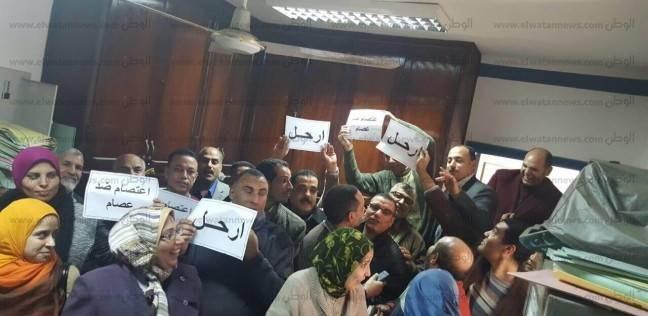 """وقفة احتجاجية للعاملين بـ""""تأمينات البحيرة"""" للمطالبة باستبعاد مدير المنطقة"""