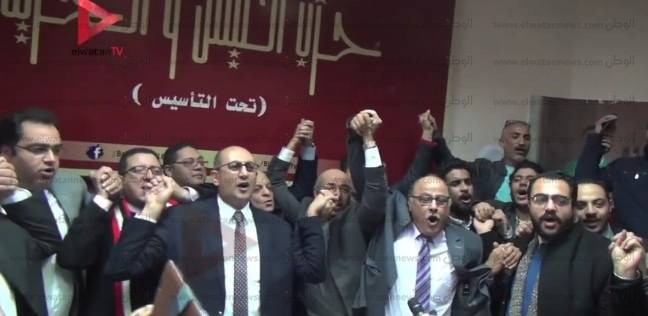 النيابة تستدعي خالد علي للتحقيق
