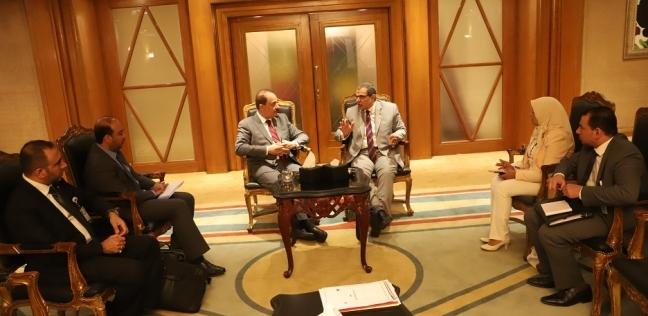 سعفان يبحث مع وزير العمل البحريني تطوير منظومة العمل