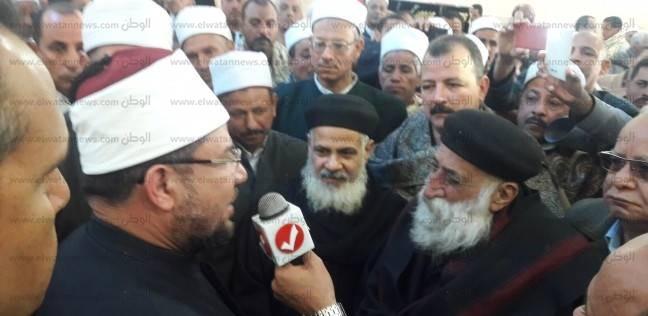 """قساوسة """"قرية التحرير"""" يشاركون وزير الأوقاف افتتاح المسجد الكبير بسوهاج"""