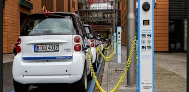 مسؤول في البترول: إنشاء محطة وقود كل 25 كيلو على الطرق الجديدة - اقتصاد -