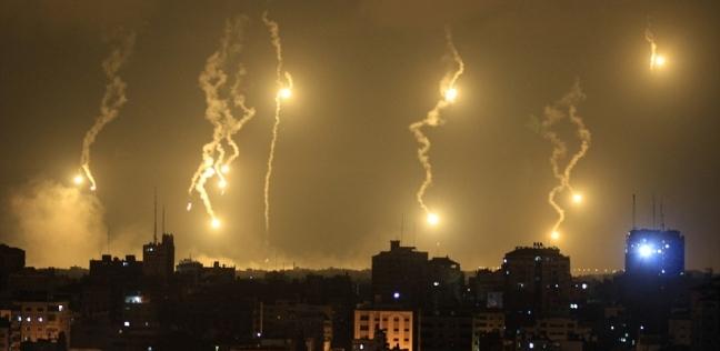 الاحتلال يقصف غزة والبقاع اللبنانية.. تفاصيل هجوم الفجر