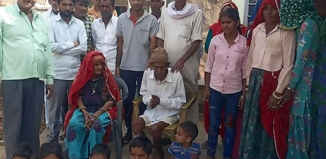 رجل هندي يعود للحياة أثناء مراسم دفنه