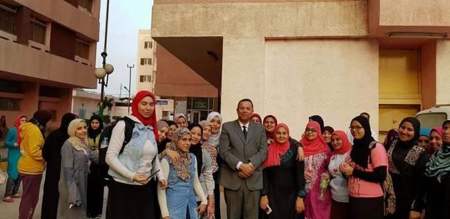 رئيس جامعة المنوفية يهنئ طالبات المدينة الجامعية بيوم المرأة العالمي