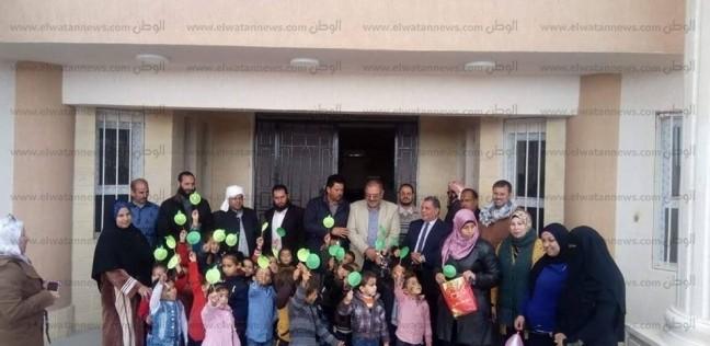 """وكيل """"تعليم مطروح"""" يكرم المتميزين بمدرسة """"سيدي عبدالرحمن"""" للغات"""