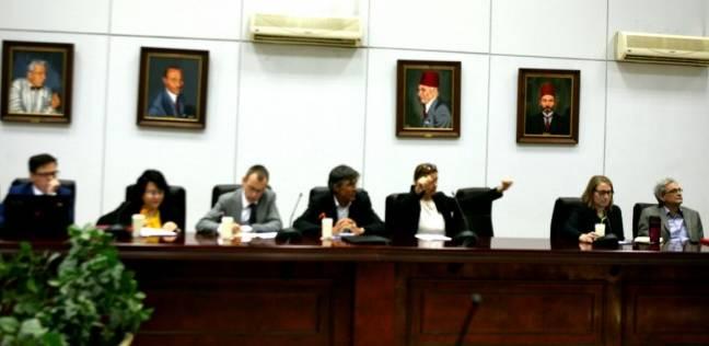 العناني يبحث أساليب ترميم الآثار مع مديري المعاهد الأجنبية في مصر