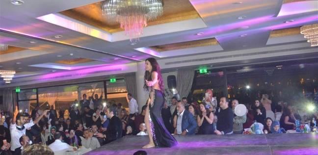 بالصور| دينا تشعل حفل رأس السنة بأحد فنادق القاهرة