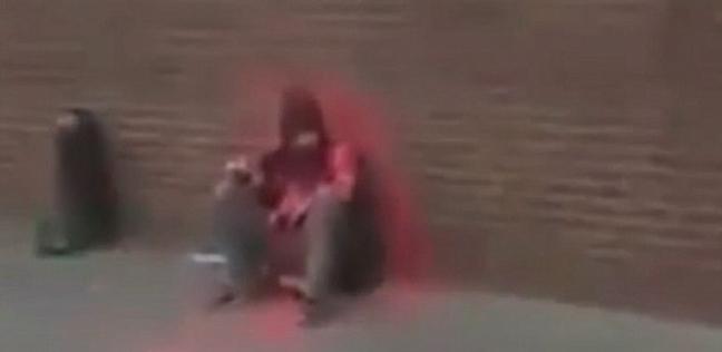بالفيديو| أهين برش الطلاء على جسده ثم وُجد ميتا في مقبرة.. حكاية متسول