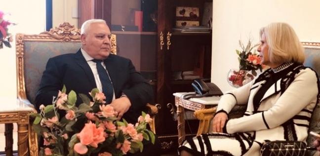 """هيفاء أبو غزالة تلتقي رئيس """"الوطنية للانتخابات"""" لمناقشة الاستفتاء"""