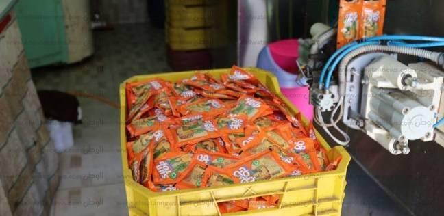 ضبط 500 عبوة عصير و235 كيلو سجق فاسد في كفر الشيخ
