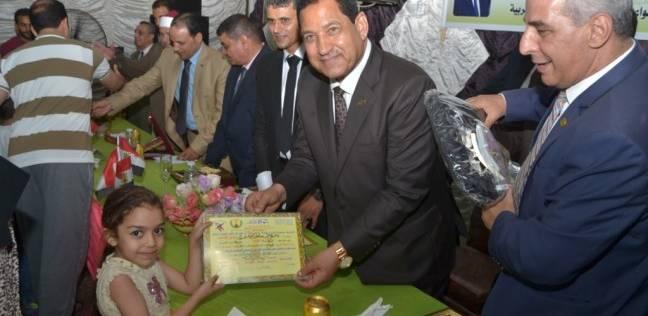 محافظ الغربية يكرم 45 فائزا بمسابقة حفظ القرآن.. وعمرة للمركز الأول