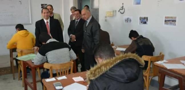 رئيس جامعة بورسعيد يتابع الامتحانات بكليتي الهندسة والتربية الرياضية