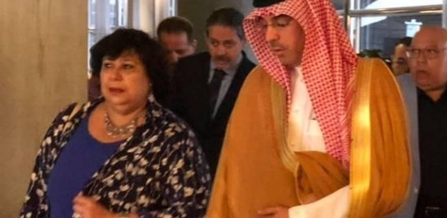 بالصور| وزير الثقافة السعودي يستقبل نظيرته المصرية بمطار الملك خالد الدولي