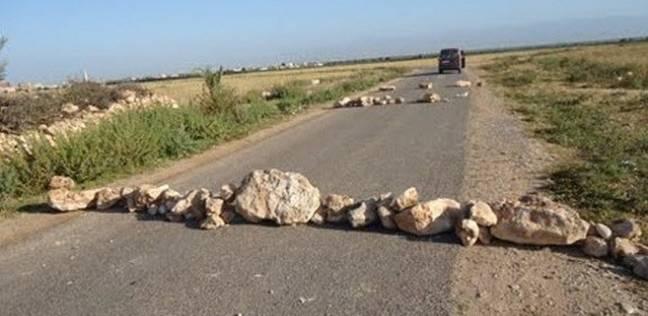 البحث عن 4 لصوص قطعوا طريقا وسرقوا 7 أشخاص في سوهاج