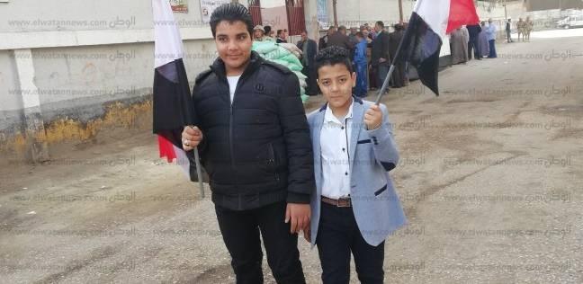 عمر ورضا: نازلين مع والدنا عشان السيسي يحافظ على مصر