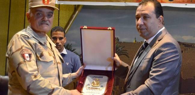 تكريم أسر الشهداء ومصابي العمليات الحربية في محافظة الأقصر
