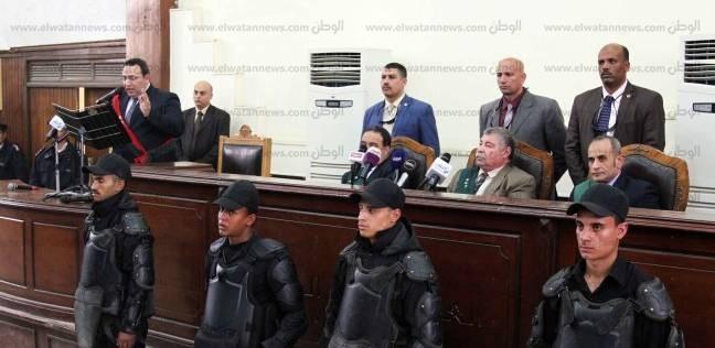 بدء محاكمة بديع و738 متهما في قضية فض رابعة