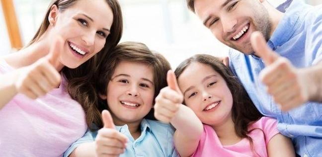 دراسة: الآباء يفضلون الأولاد والأمهات يفضلن البنات