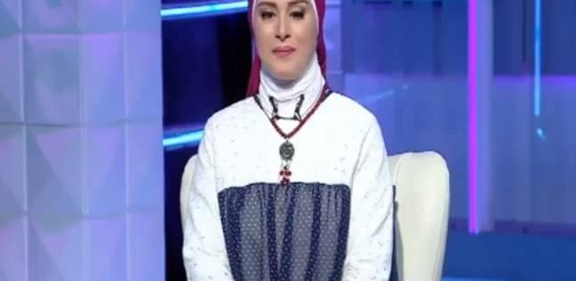 بالفيديو| مذيعة تبكي على الهواء فرحا بنجاح ابنتها في الثانوية العامة