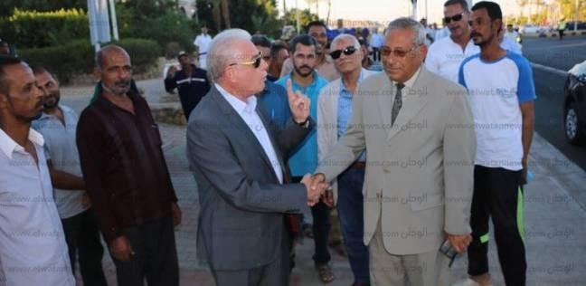 بالصور| محافظ جنوب سيناء يتفقد أعمال التشجير بشرم الشيخ