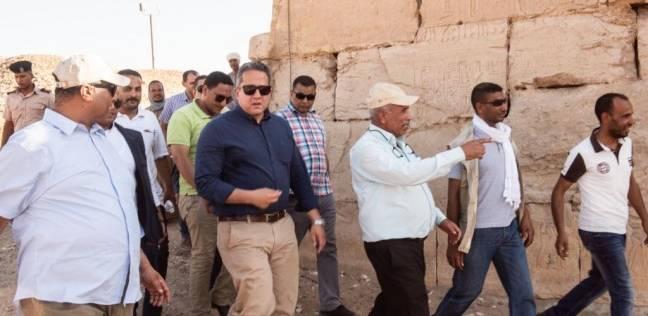 """""""العناني"""" يتابع أعمال تطوير منطقة عرابة أبيدوس الأثرية بسوهاج"""