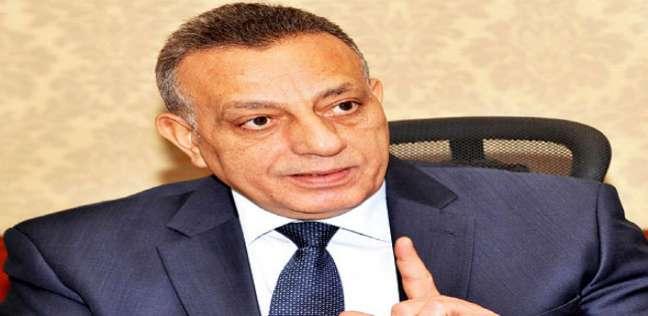 محافظ الجيزة يطالب بإنهاء استعدادات المدارس للعام الجديد