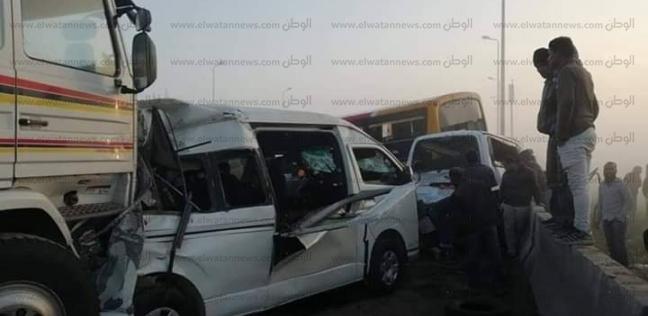 إصابة 8 في تصادم 6 سيارات على الطريق الدولي بالبحيرة