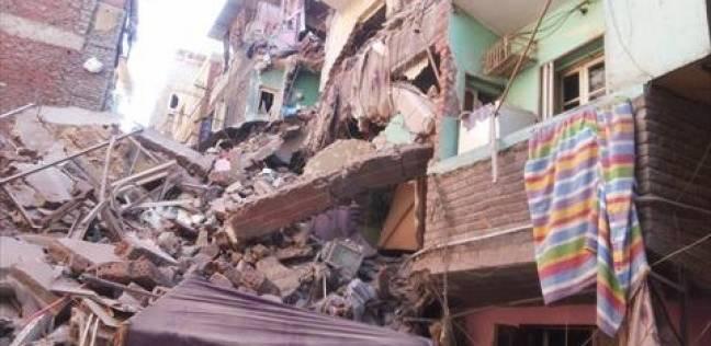 انهيار عقار مكون من 4 طوابق وسط الإسكندرية