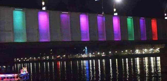 """محافظ سوهاج: إضاءة ملونة على جانبي كوبري """"أخميم"""" لإضفاء لمسة جمالية"""