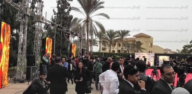 """""""البودي جاردات"""" يمنعون الإعلاميين من تغطية """"الأوسكار المصري"""""""
