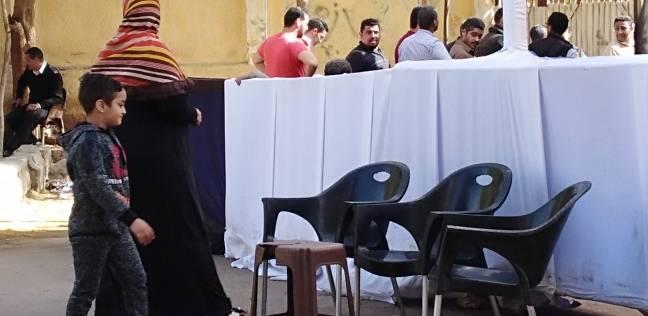 كبار السن يتوافدون على لجان الانتخابات في دمياط