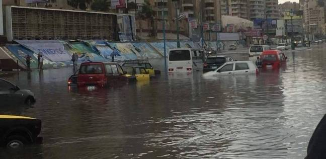 الصرف الصحي بالإسكندرية تعرض على المحافظ جهود مجابهة موسم الشتاء