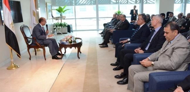 يونس المصري: ندرس مع القوات المسلحة إنشاء مطار العاصمة الجديدة