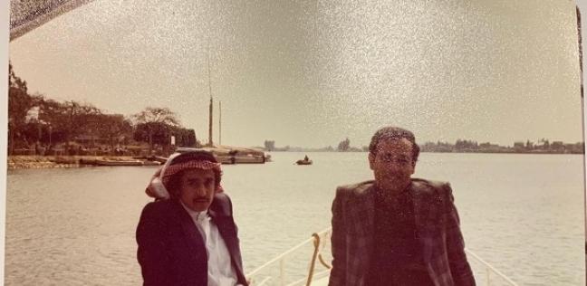 الاستاذ سلطان مع أحد طلابه