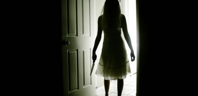 """اليانور فتاة رومانيا تعرضت """"للعض والخرابيش"""" من الاشباح"""