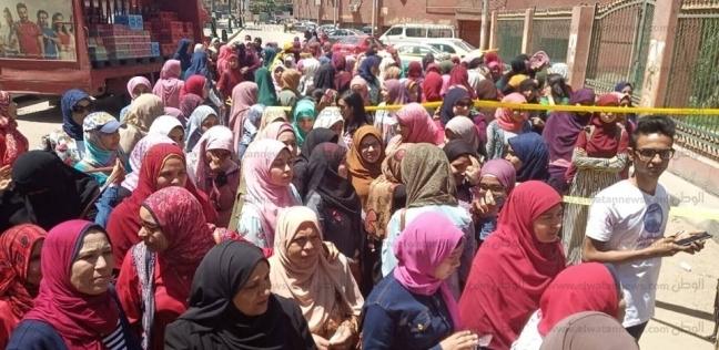 مشاركة كبيرة من السيدات في لجان الحوامدية والبدرشين للتصويت بالاستفتاء