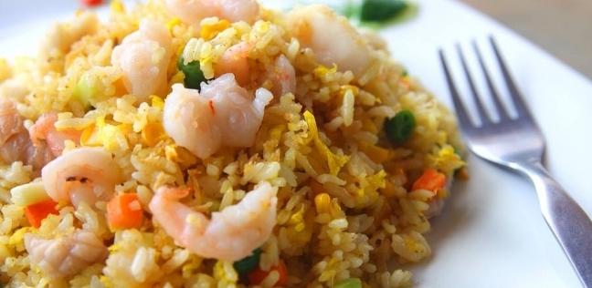 في حلة واحدة.. أرز بالمأكولات البحرية
