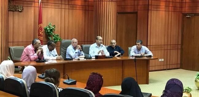 محافظ بورسعيد يشيد بحملات إزالة الإشغالات