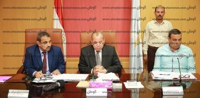 محافظ كفر الشيخ يطالب رؤساء المدن بوضع جدول أسبوعي لمشروعات الرصف