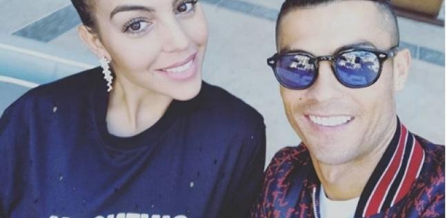 رونالدو وزوجته